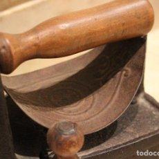 Antigüedades: PLANCHA ANTIGUA DE CARBÓN. Lote 71744983