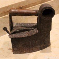 Antigüedades: PLANCHA ANTIGUA DE CARBÓN. Lote 71745351