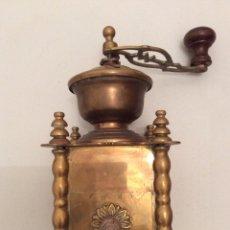 Antigüedades: MOLINILLO DE CAFÉ EN BRONCE. Lote 71763494