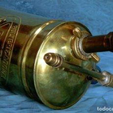 Antigüedades: ANTIGUO Y ORIGINAL PULVERIZADOR SAN JUSTO - LATÓN BRONCE Y MADERA - BUENOS AIRES - ARGENTINA - RARO. Lote 71834019