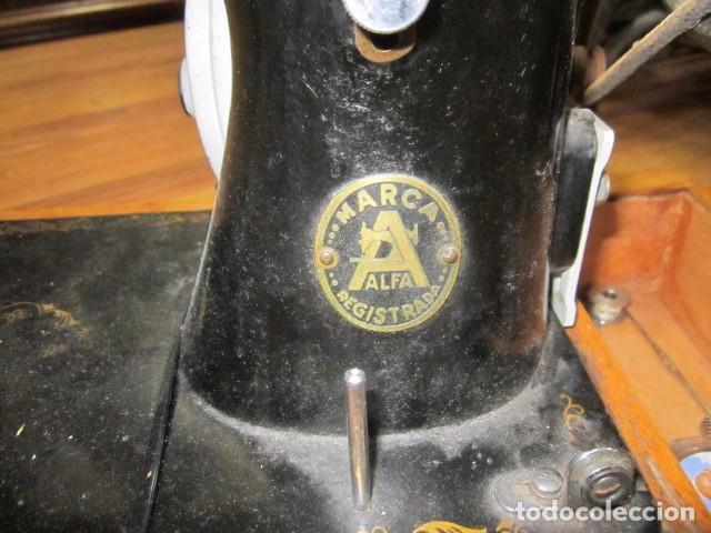 Antigüedades: Antigua máquina de coser Alfa. - Foto 3 - 72117411