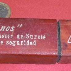 Antigüedades: NAVAJA DE AFEITAR JOSE MONSERRAT POU FILARMONICA. Lote 72170779