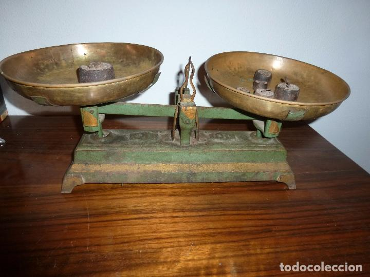 BALANZA BASCULA CON PESOS VERDE (Antigüedades - Técnicas - Medidas de Peso - Básculas Antiguas)