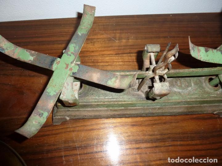Antigüedades: BALANZA BASCULA CON PESOS VERDE - Foto 2 - 72206219