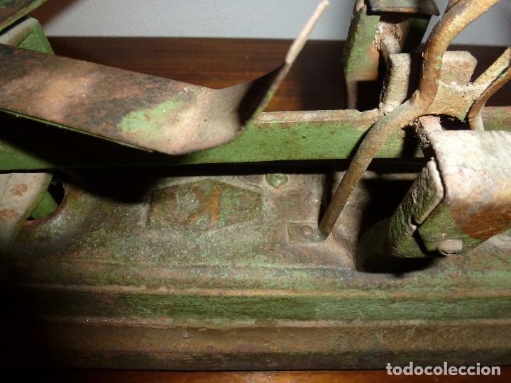 Antigüedades: BALANZA BASCULA CON PESOS VERDE - Foto 5 - 72206219