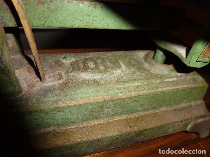 Antigüedades: BALANZA BASCULA CON PESOS VERDE - Foto 7 - 72206219