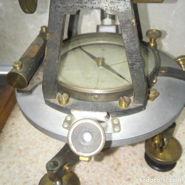 Antigüedades: TEODOLITO DE BRONCE , TOPOGRAFO SUIZO AARAU DE KERN & CO. EN SU CAJON DE MADERA ORIGINAL * IMPECABLE - Foto 3 - 72261887
