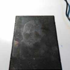 Antigüedades: PLANCHA DE IMPRESIÓN CON IMAGEN DE UN NIÑO. METAL.. Lote 72789491