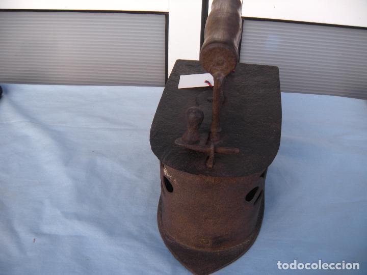 Antigüedades: PLANCHA DE CARBÓN EN FORJA. - Foto 4 - 72831131