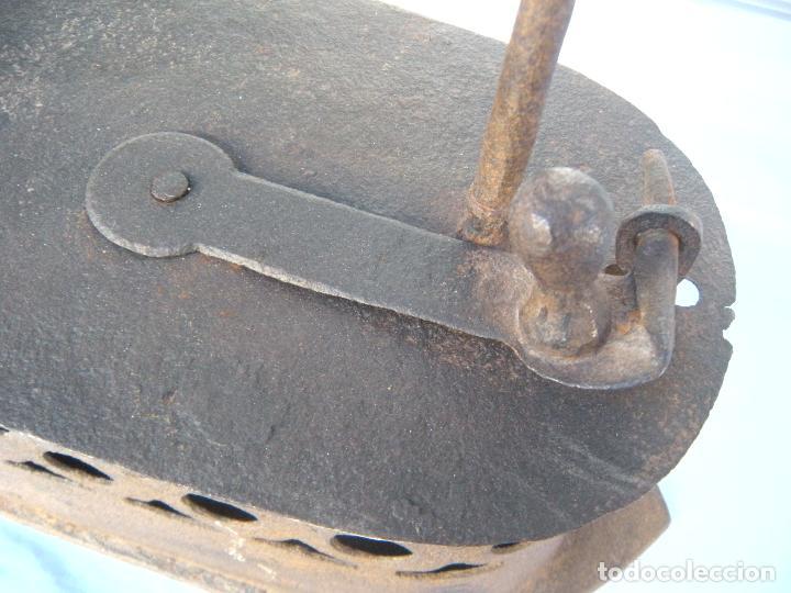 Antigüedades: PLANCHA DE CARBÓN EN FORJA. - Foto 7 - 72831131