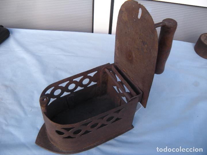 Antigüedades: PLANCHA DE CARBÓN EN FORJA. - Foto 8 - 72831131