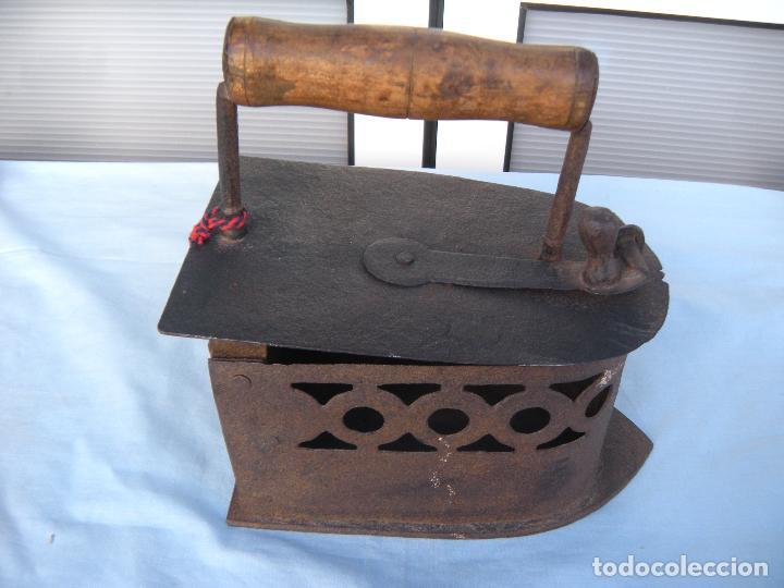 Antigüedades: PLANCHA DE CARBÓN EN FORJA. - Foto 9 - 72831131