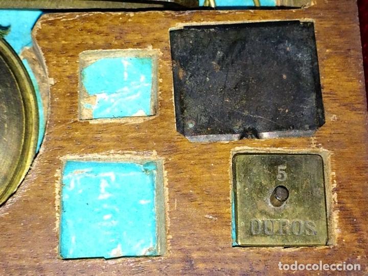 Antigüedades: BALANZA PARA ORO. BRONCE. MADERA. ESPAÑA. XIX - Foto 5 - 73018219