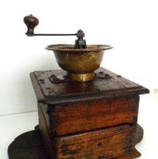 Antigüedades: GRAN MOLINILLO ARTESANAL DE CAFÉ, EN MADERA DE NOGAL. FRANCIA. CA. 1750/1825. Lote 73414611