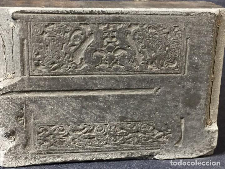 Antigüedades: plancha grabado zinc excavada constructores piano expo musica 2,5x8x5,5cms - Foto 3 - 73678895