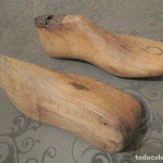 Antigüedades: PAR DE HORMAS ANTIGUAS DE MADERA. ZAPATOS INFANTILES.Nº 6. 17 CM DE LARGO. Lote 46503410