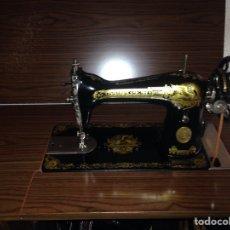 Antigüedades: ANTIGUA MÁQUINA DE COSER SINGER. Lote 73924890