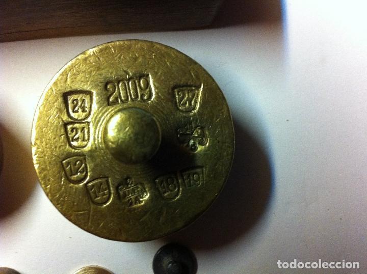 Antigüedades: BONITO JUEGO DE ANTIQUISIMAS PESAS DE BRONCE DESDE 200 G HASTA 1 g (J01) - Foto 7 - 74213255