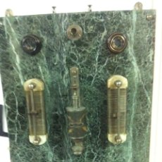 Cuadro eléctrico en base mármol de 45 x 65 ctms
