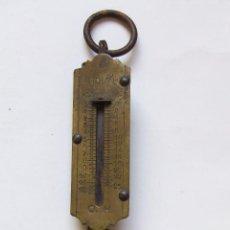 Antigüedades: ANTIGUA BALANZA BASCULA DE MANO 12 KILOS MARCA URKO. Lote 75280547