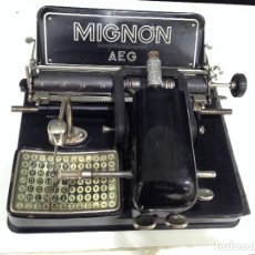 Antigüedades: PRECIOSA Y ANTIGUA MAQUINA DE ESCRIBIR MIGNON AEG. FUNCIONA PERFECTAMENTE. Lote 75417507