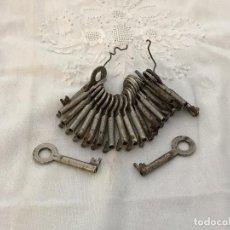 Antigüedades: LOTE DE 22 LLAVES. Lote 75501203