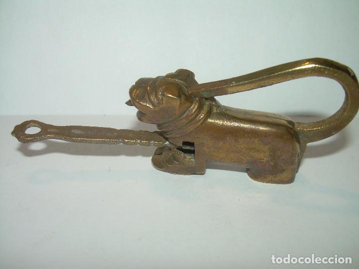 Antigüedades: ANTIGUO CANDADO DE BRONCE CON SU LLAVE. - Foto 2 - 75763707