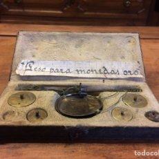 Antigüedades: BALANZA ANTIGUA - PESO MONEDAS DE ORO, BÁSCULA, TANA, PEQUEÑA, MINIATURA. Lote 75791213