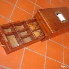 Antigüedades: ORIGINAL MÁQUINA CAJA REGISTRADORA INGLESA DE MEDIADOS DE SIGLO XX EN CAOBA. Lote 76002387
