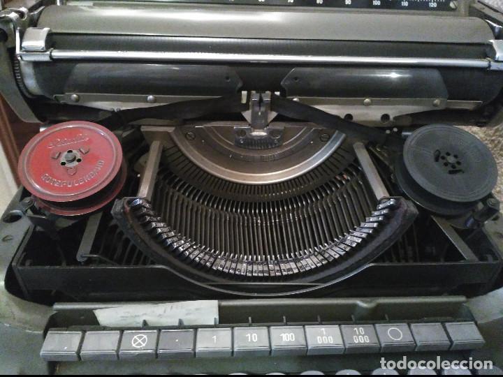 Antigüedades: Maquina de escribir ADLER - Antigua - Buen Estado - SOLO RECOGIDA EN MADRID, NO SE ENVIA - Foto 2 - 95705399
