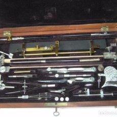 Antigüedades: ANTIGUA CAJA DE COMPASES DE MADERA CON LLAVE - PRINCIPIOS DEL PASADO SIGLO.. Lote 76077639