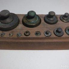Antigüedades: TACO DE PESAS PARA BALANZA DE 2 KILOS. Lote 76173239