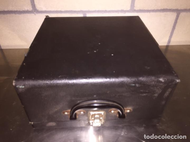 Antigüedades: Máquina de escribir Remington - Foto 2 - 110466118