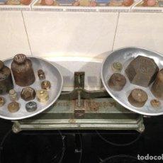 Antigüedades: BASCULA BALANZA FORCE 10 KG. CON 16 PESOS, PROCEDENCIA FRANCIA. Lote 76915899