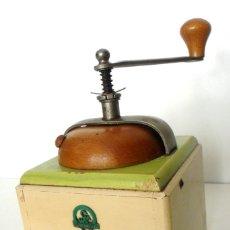 Antigüedades: MOLINILLO DE CAFÉ MARCA WSM KLINGENTHAL. -ANTIGUA ALEMANIA DEL ESTE- CA. 1950/60. Lote 76967069