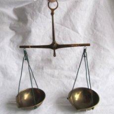 Antiquités: BALANZA DE MANO DE PRECISIÓN COBOS PARA PESAR METALES PRECIOSOS Y GEMAS. Lote 77345177