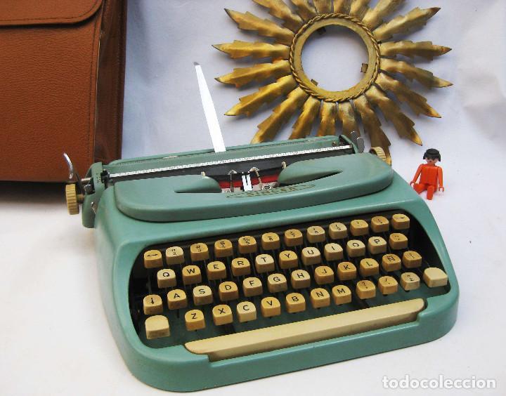 RARÍSIMA DE MUSEO! MAQUINA DE ESCRIBIR PEQUEÑA ANTIGUA SINGER, NO DE COSER! TIPO PLUMA 22 (Antigüedades - Técnicas - Máquinas de Escribir Antiguas - Otras)