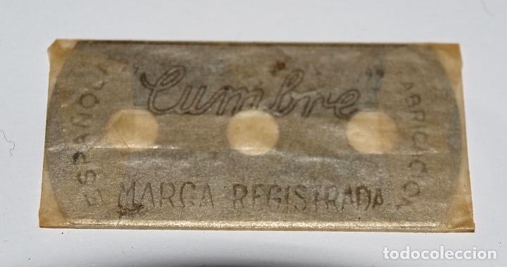 Antigüedades: HOJA DE AFEITAR CUMBRE. FABRICACION ESPAÑOLA. 0,25 PTAS. SIN USO, EN SU FUNDA SIN ABRIR. - Foto 3 - 77377653