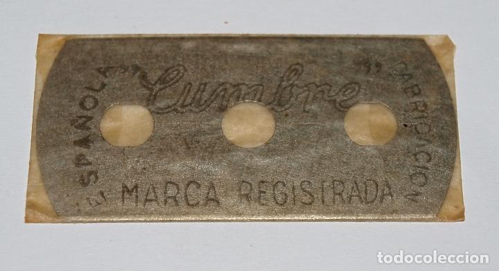 Antigüedades: HOJA DE AFEITAR CUMBRE. FABRICACION ESPAÑOLA. 0,25 PTAS. SIN USO, EN SU FUNDA SIN ABRIR. - Foto 5 - 77377653
