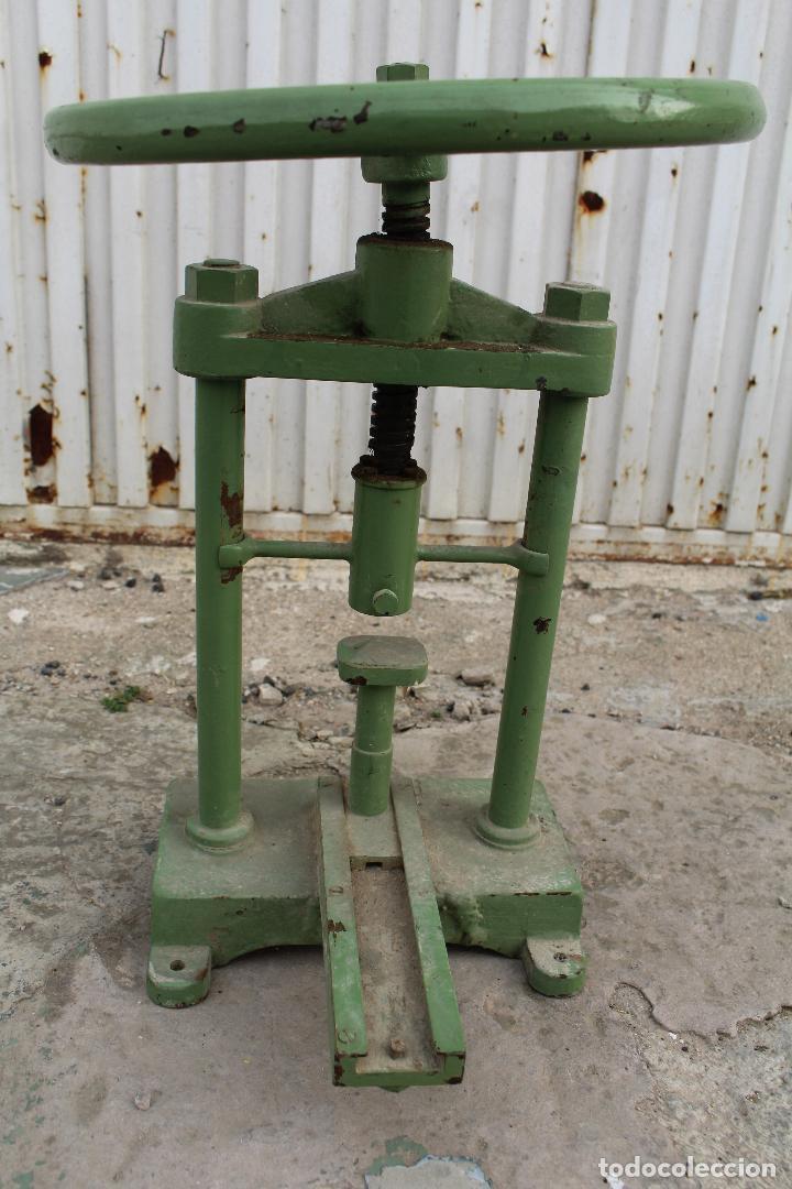 Antigüedades: prensa de hierro antigua - Foto 7 - 77377829