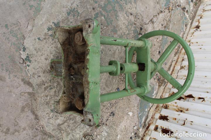 Antigüedades: prensa de hierro antigua - Foto 8 - 77377829