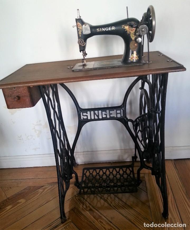 M quina de coser singer con su mueble original comprar for Casa muebles singer villavicencio