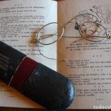 Antigüedades: GAFAS ANTIGUAS TIPO QUEVEDO CON PATILLAS FLEXIBLES -ÒPTICA ANTONIO GARRIGA MANRESA. Lote 77638909