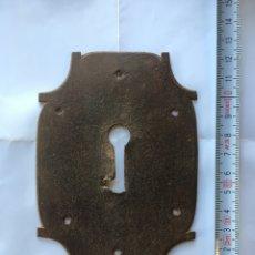 Antigüedades: BOCALLAVE DE FORJA RECORTADA (SIGLO XIX). Lote 77776311