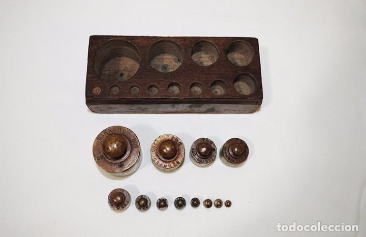 JUEGO DE 12 PESAS DE BRONCE (Antigüedades - Técnicas - Medidas de Peso - Básculas Antiguas)