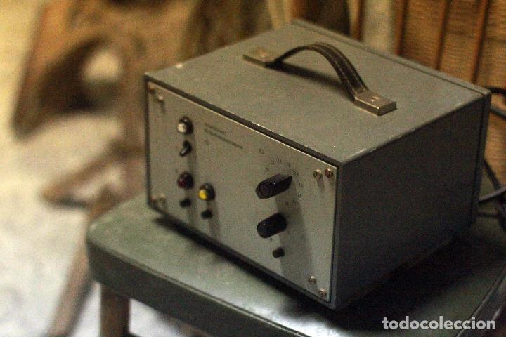 Antigüedades: ANTIGUO APARATO PROCEDENTE DE LABORATORIO CIENTIFICO. schaltgerät belichtungsautomatik - Foto 2 - 77923665