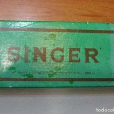 Antigüedades: CAJA SINGER CON 10 ACCESORIOS (VER FOTOS). Lote 78446261