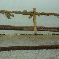 Antigüedades: ANTIGUA SIERRA DE CARPINTERO SERRUCHO DE MADERA ANTIGUO DE CARPINTERÍA . Lote 78663093