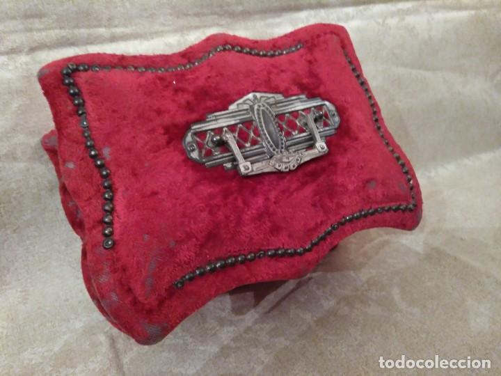 Antigüedades: Antiguo costurero modernista de confitería madrileña - Foto 3 - 78947753