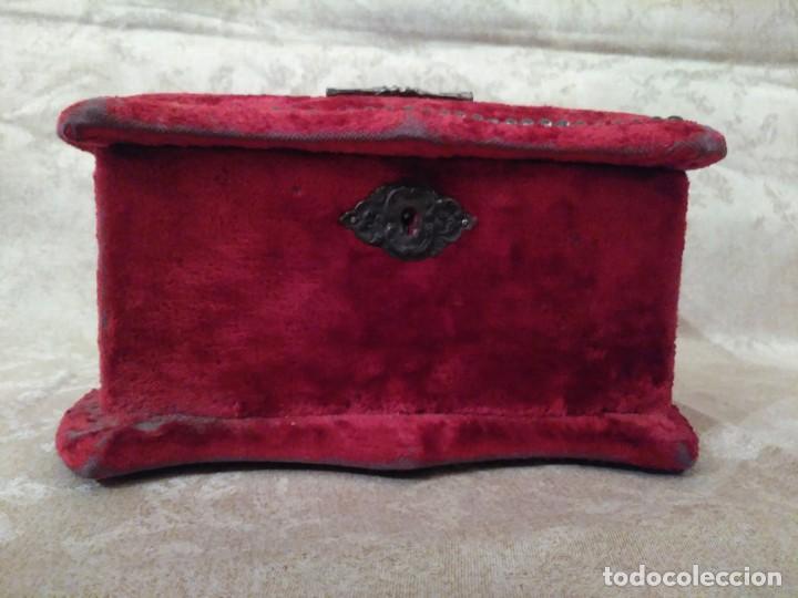 Antigüedades: Antiguo costurero modernista de confitería madrileña - Foto 5 - 78947753